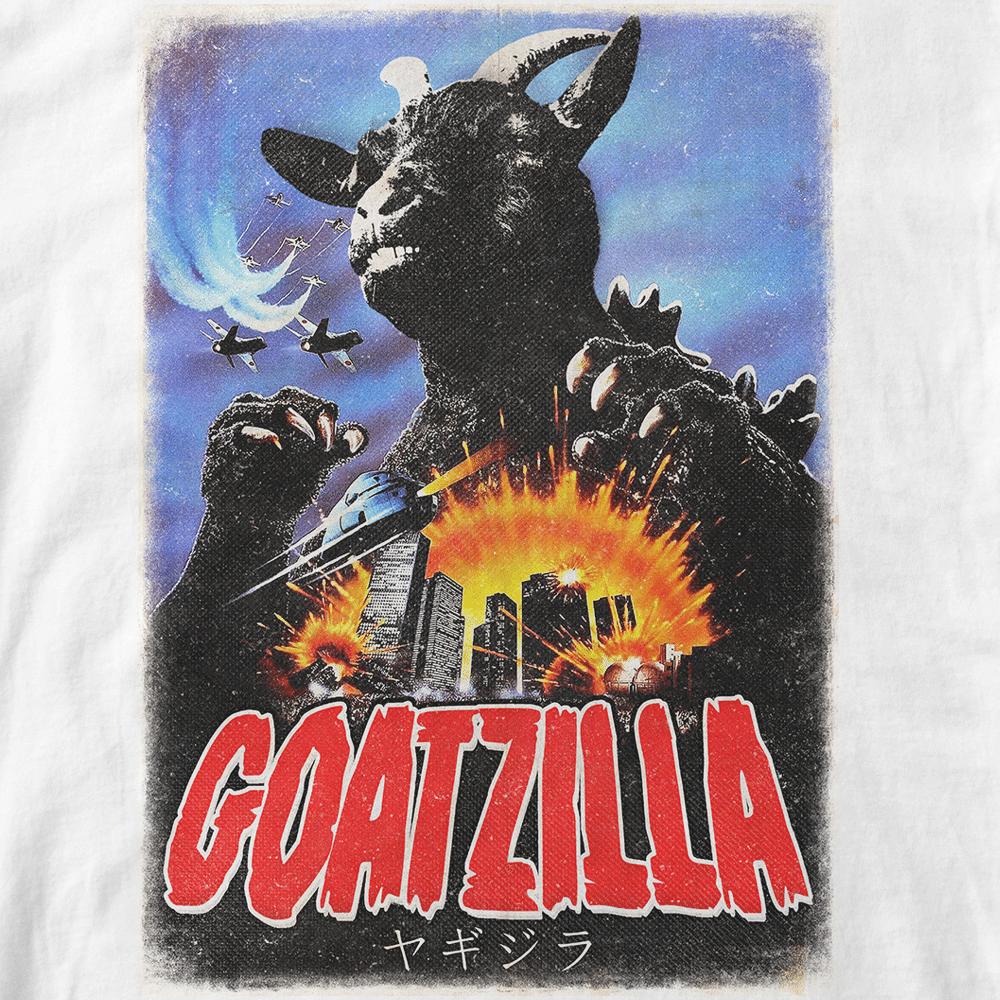 Goatzilla. Parodie de Godzilla, chèvre géante attaquant Bordeaux. Style vintage. Réalisé par Vilain le singe